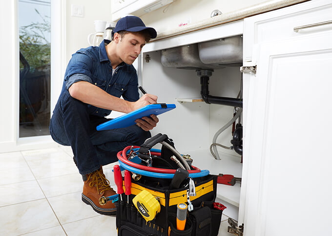 Cooke's kitchen plumbers fixing clogs and leaks